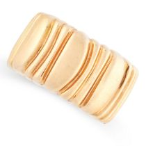 A CASQUE D'OR BAND RING, CARTIER, 1992 in 18ct yellow gold, the band of stylised reeded design,