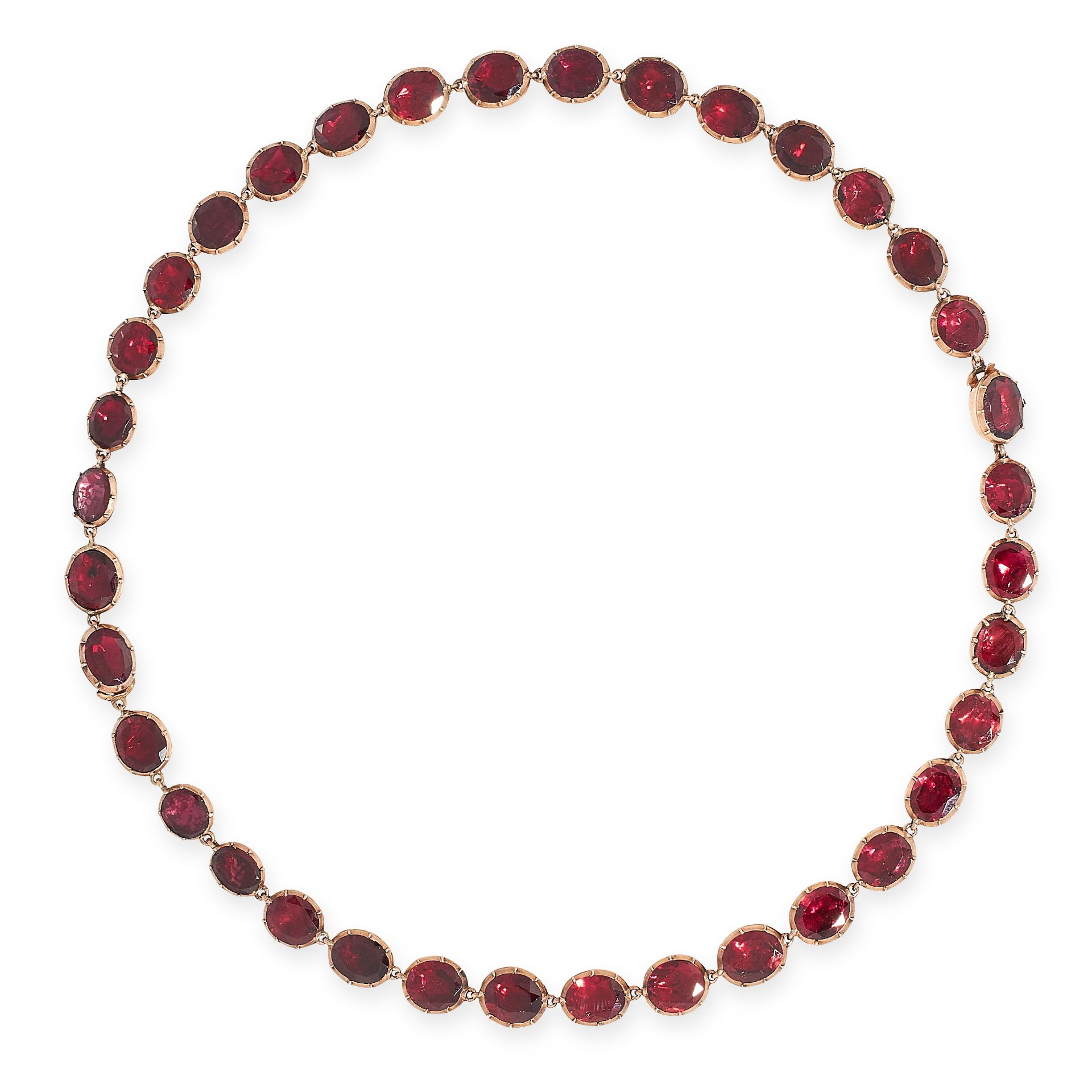 AN ANTIQUE GARNET RIVIERE NECKLACE, 19TH CENTURY in yellow gold, comprising of a single row of