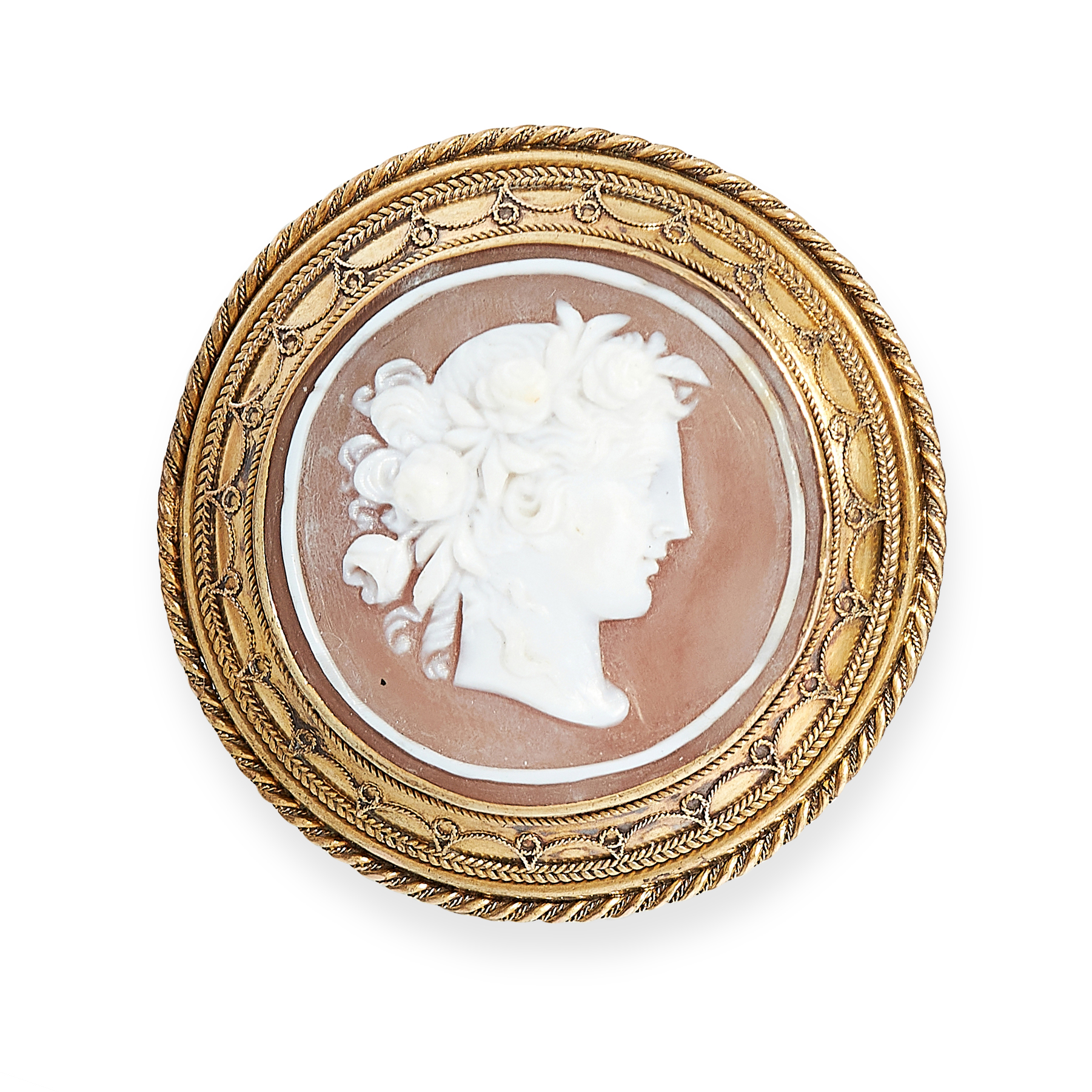 AN ANTIQUE CAMEO BROOCH, 19TH CENTURY in yellow gold, set to the centre with a circular carved cameo