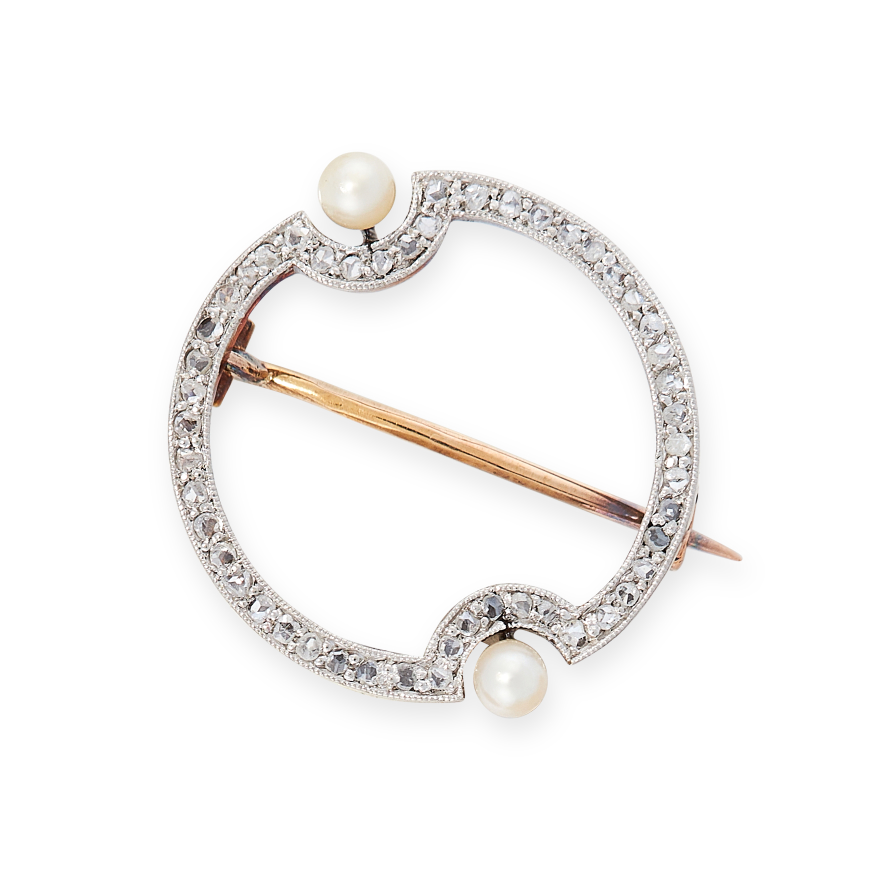AN ANTIQUE DIAMOND AND PEARL BROOCH, EARLY 20TH CENTURY in 18ct yellow gold, the circular body set