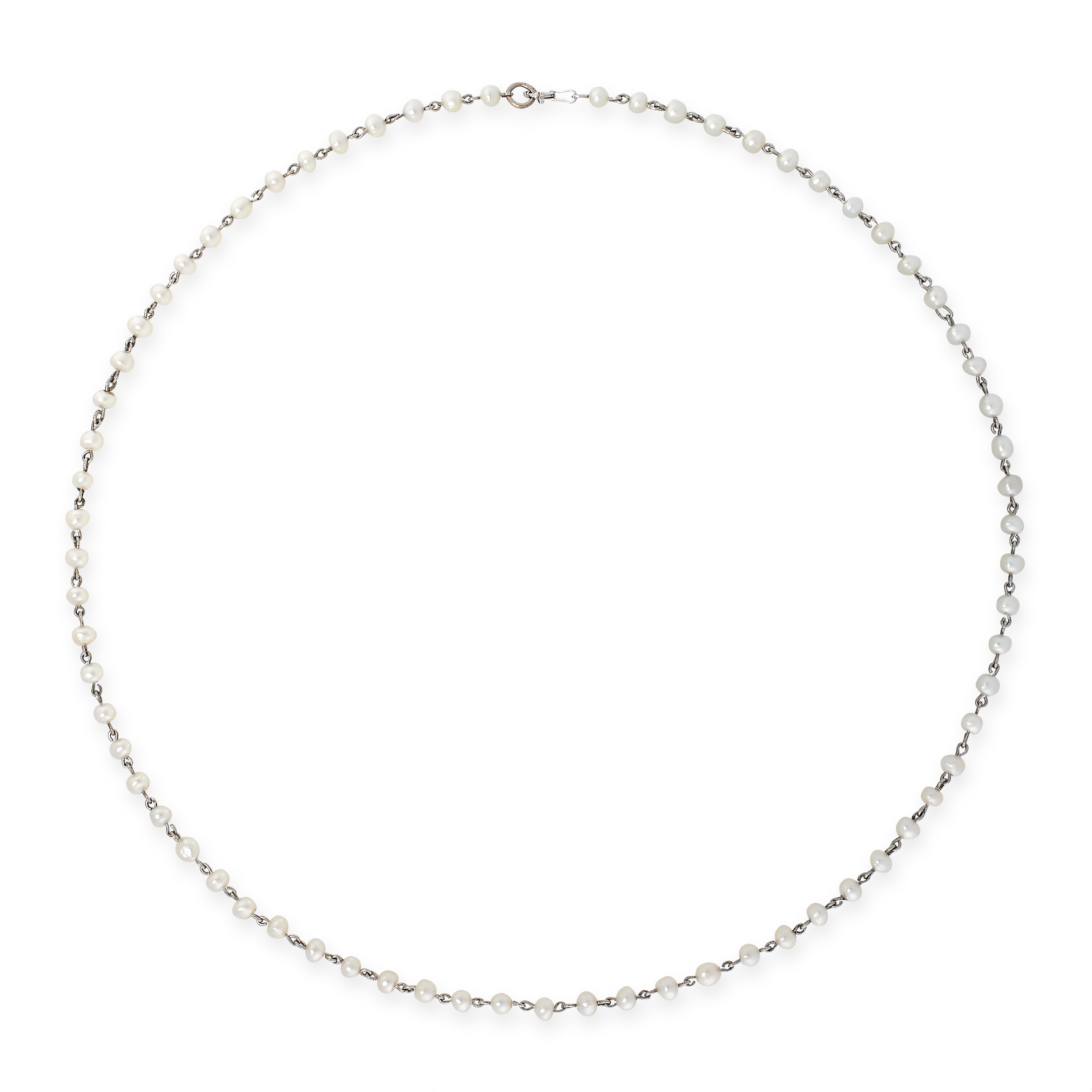 AN ANTIQUE PEARL CHAIN NECKLACE, EARLY 20TH CENTURY in platinum, formed of a single row of seventy