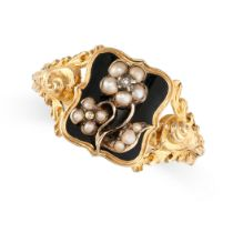 NO RESERVE -AN ANTIQUE WILLIAM IV PEARL AND ENAMEL MOURNING LOCKET RING, 1836 in 18ct yellow