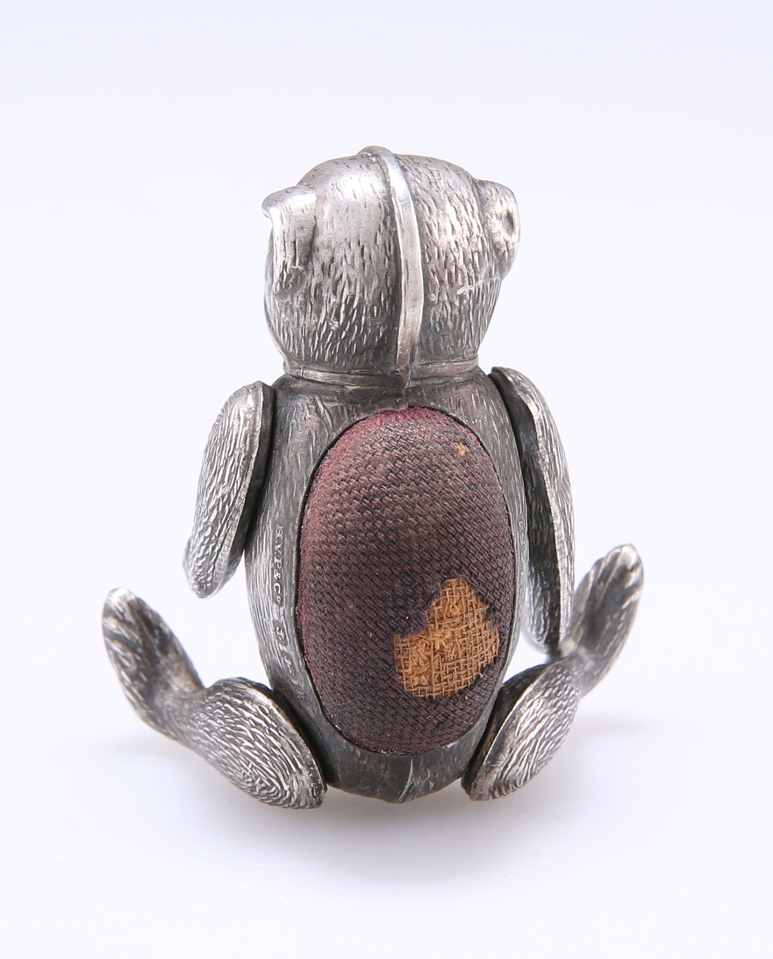 AN EDWARD VII SILVER NOVELTY BEAR PINCUSHION - Image 2 of 4