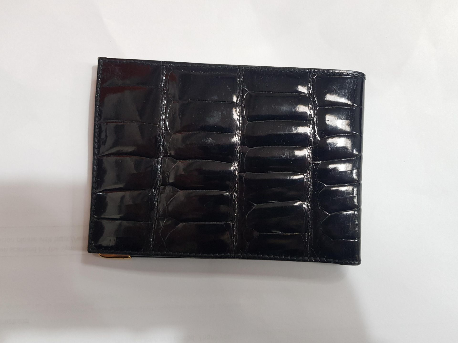 A GUCCI BLACK CROCODILE LEATHER WALLET - Image 4 of 4
