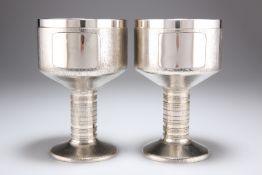 CHRISTOPHER NIGEL LAWRENCE (BORN 1936), A PAIR OF ELIZABETH II HEAVY SILVER GOBLETS
