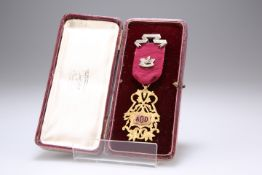 A CASED 9CT GOLD FRATERNITY JEWEL OF THE GENERAL GORDON LODGE AOD