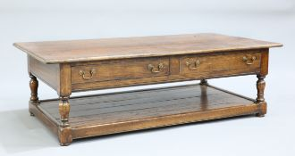 A LARGE PERIOD STYLE OAK COFFEE TABLE
