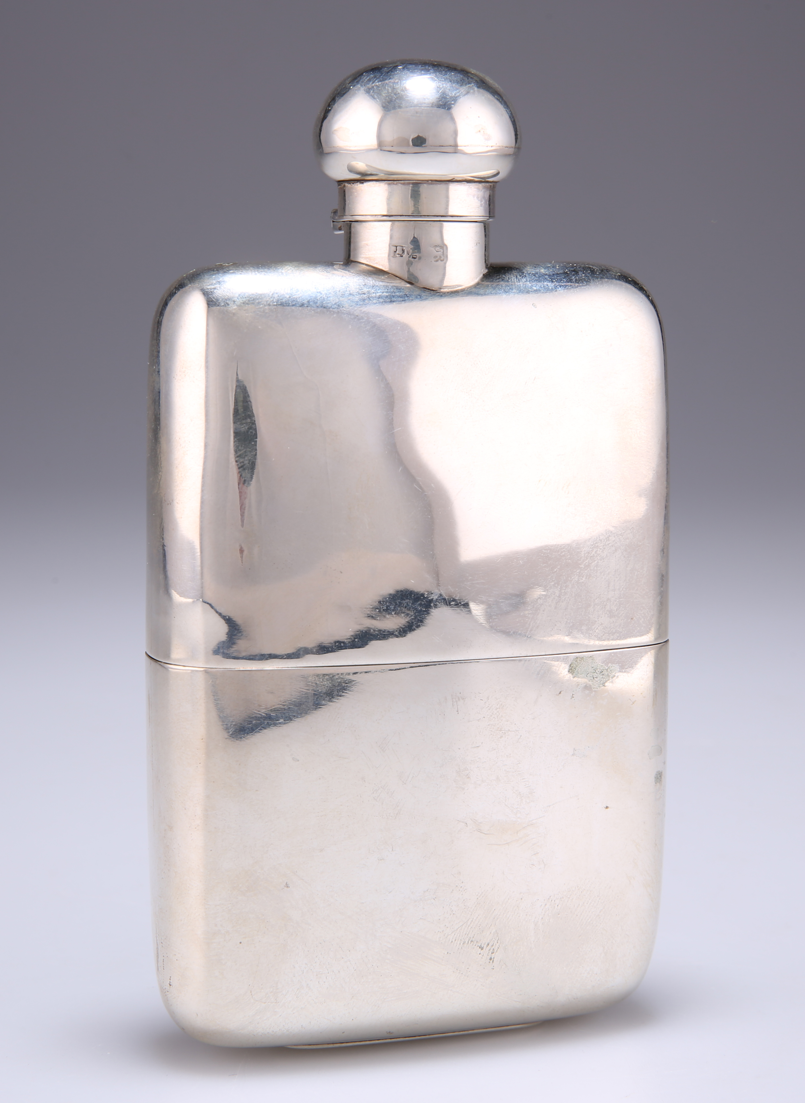 A GEORGE V SILVER HIP FLASK AND CUP
