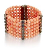 A CORAL AND IOLITE BRACELET