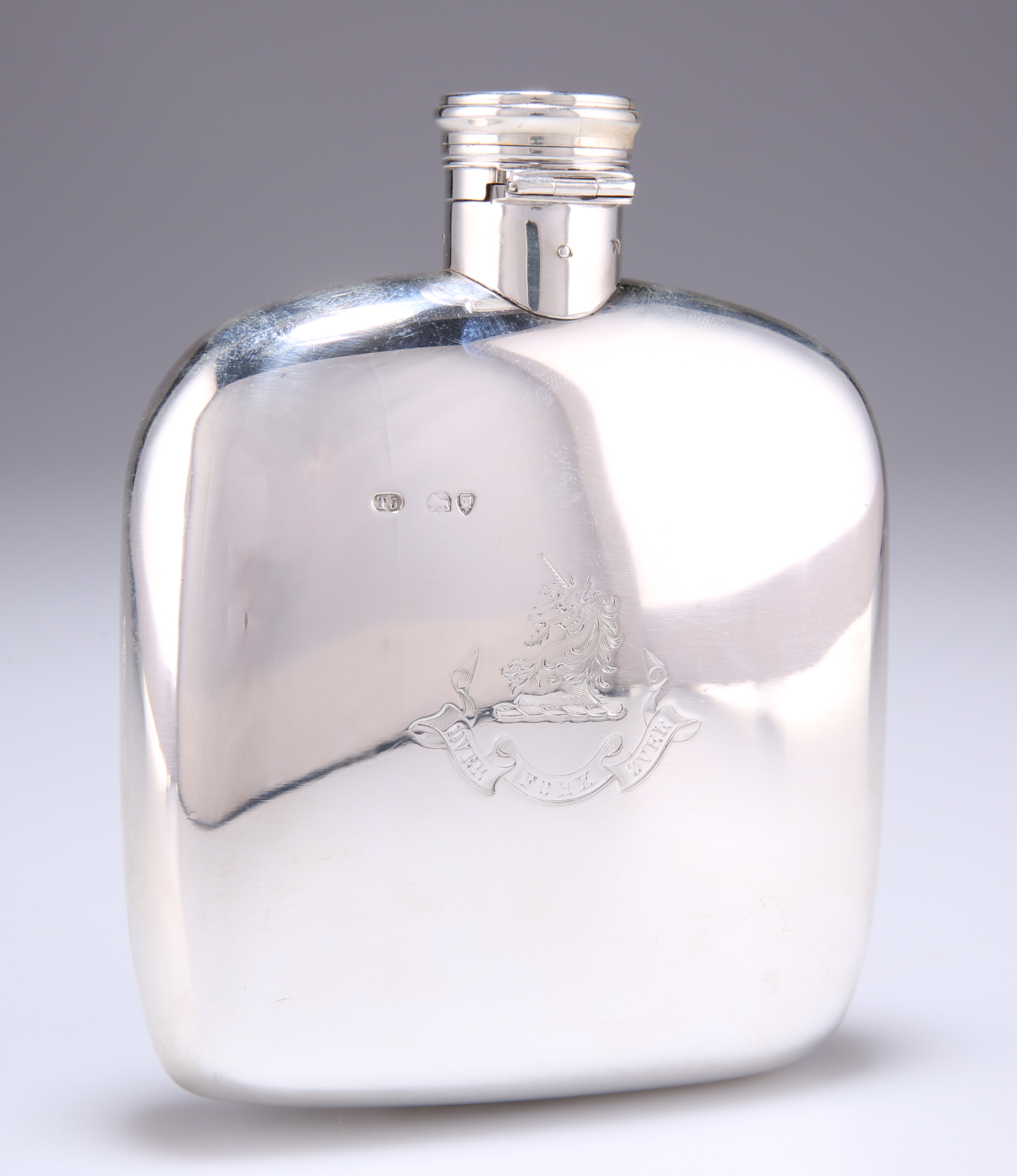 A VICTORIAN SILVER HIP FLASK - Image 2 of 3
