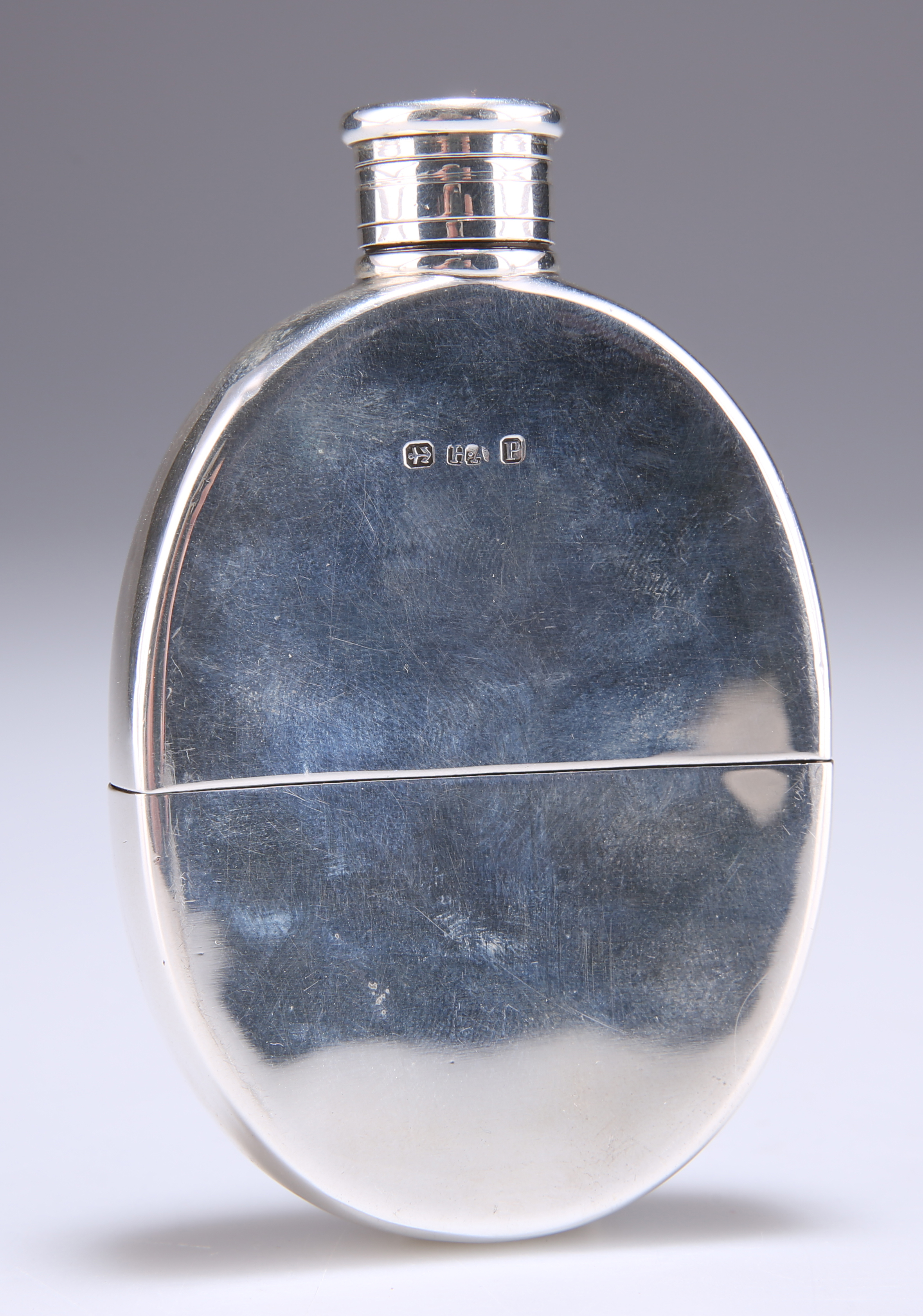 A SMALL VICTORIAN SILVER HIP FLASK - Image 2 of 3