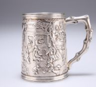 A FINE CHINESE EXPORT SILVER MUG