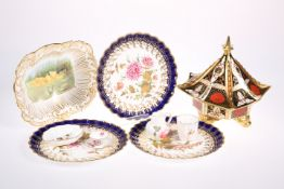 AN ABBEYDALE PORCELAIN CHRYSANTHEMUM OCTAGONAL BOX AND COVER