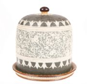A DOULTON LAMBETH STONEWARE CHEESE DOME AND UNDERPLATE