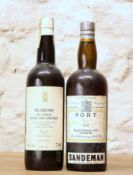 2 BOTTLES MIXED LOT RARE OLD SANDEMAN'S SHERRY AND PORT