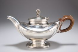 OMAR RAMSDEN (1873-1939), AN ARTS AND CRAFTS SILVER TEAPOT,