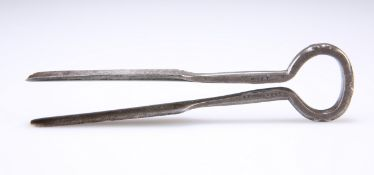 A VICTORIAN STEEL PIPE SCRAPER