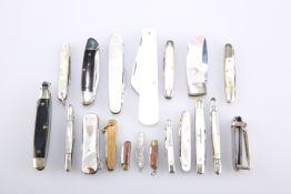A QUANTITY OF PEN KNIVES