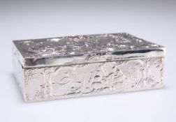 A HANAU SILVER TABLE SNUFF BOX