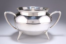 A LATE VICTORIAN SILVER-PLATED SOUP TUREEN