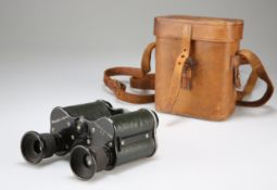 A CASED PAIR OF COMPACT BINOCULARS BY DOLLOND, LONDON