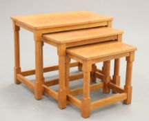 LYNDON HAMMELL OF HARMBY A CAT AND MOUSEMAN OAK NEST OF THREE TABLES