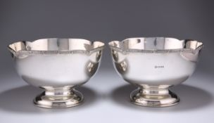 A PAIR OF 'CELTIC' PATTERN SILVER BOWLS BY ASPREY