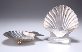 A PAIR OF AMERICAN SILVER SHELL-FORM DISHES, by Tiffany & Co