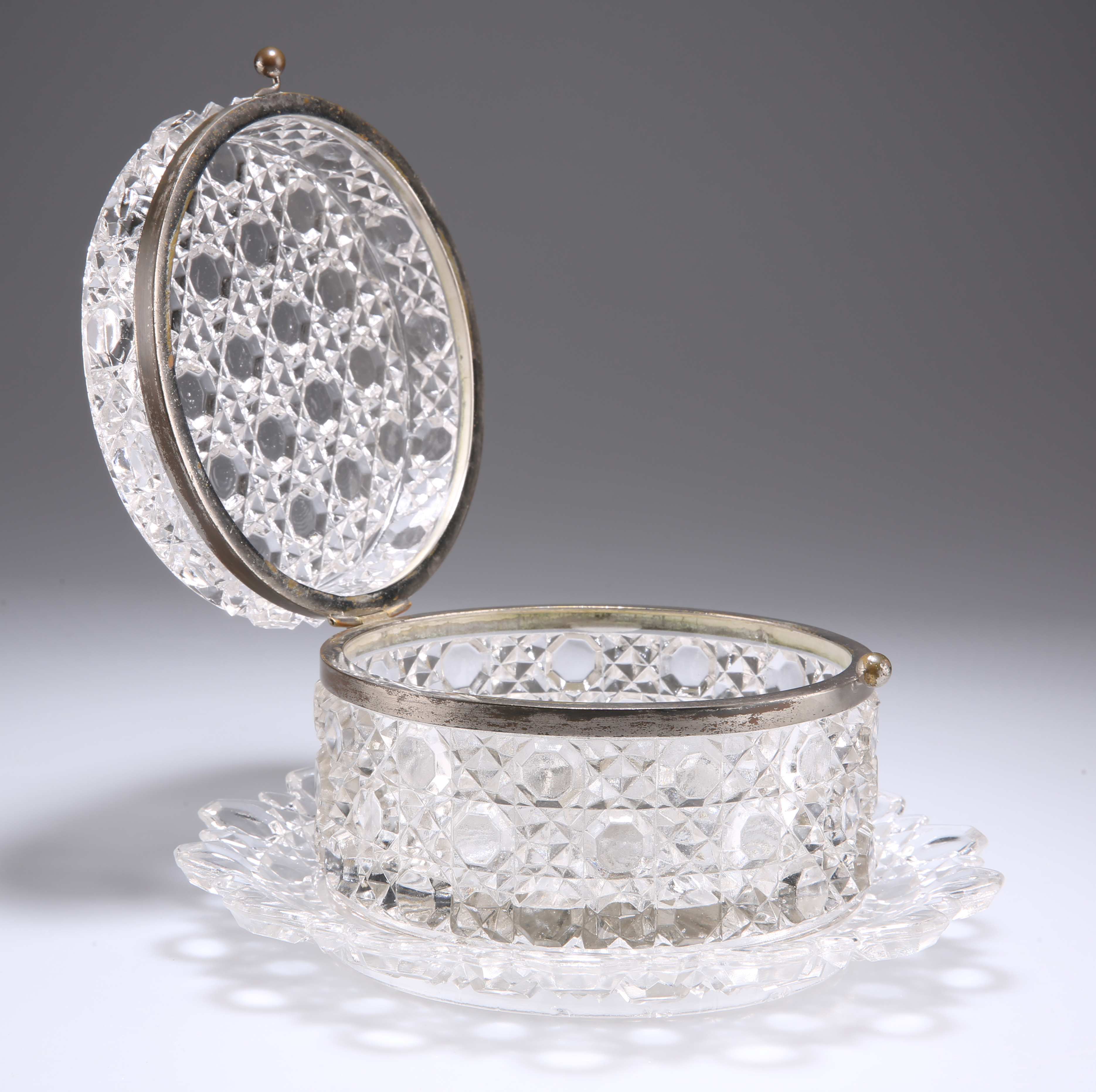 A BACCARAT GLASS CASKET ON STAND, CIRCA 1880 - Image 2 of 2