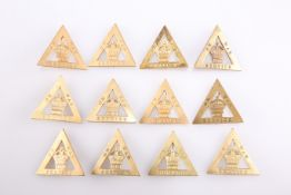 A QUANTITY OF GILDED METAL LAPEL BADGES, 'ON WAR SERVICE 1916'