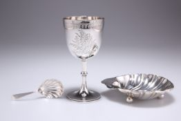 A VICTORIAN SILVER GOBLET, CADDY SPOON AND EDWARDIAN SHELL-FORM DISH