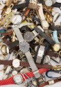 A LARGE QUANTITY OF FASHION WATCHES, FOR SPARES OR REPAIRS