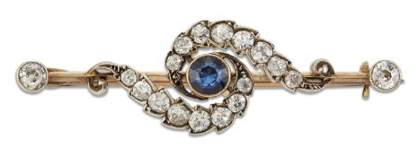 AN EARLY 20TH CENTURY SAPPHIRE AND DIAMOND BAR BROOCH
