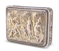 A GEORGE III SILVER-GILT SNUFF BOX