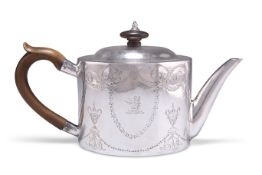 YORK TOWN MARK - A GEORGE III PROVINCIAL SILVER TEAPOT