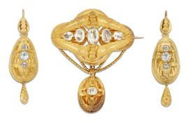 A MID 19TH CENTURY BROOCH AND EARRINGS SUITE