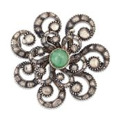 A LATE 18TH/EARLY 19TH CENTURY EMERALD AND DIAMOND BROOCH