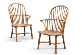 A PAIR OF THAMES VALLEY ELM WINDSOR CHAIRS, FIRST HALF OF THE 19TH CENTURY