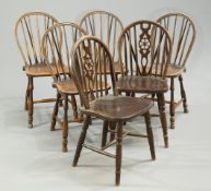 A matched set of six Windsor dining chairs, 20th Century