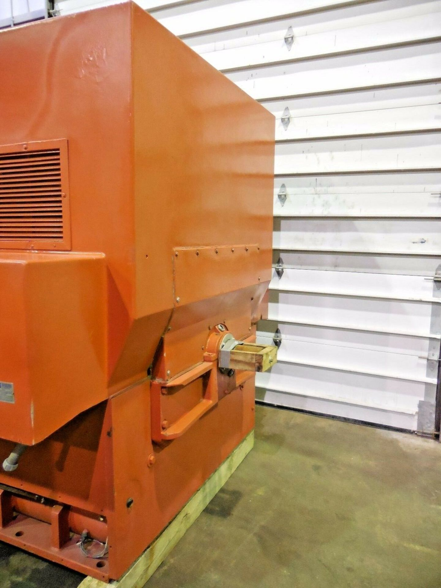 Allis Chalmers 3000 HP Induction Motor. 3572 RPM. 4000 V. Type ANW. 3 Ph. 60 Hz. - Image 4 of 6