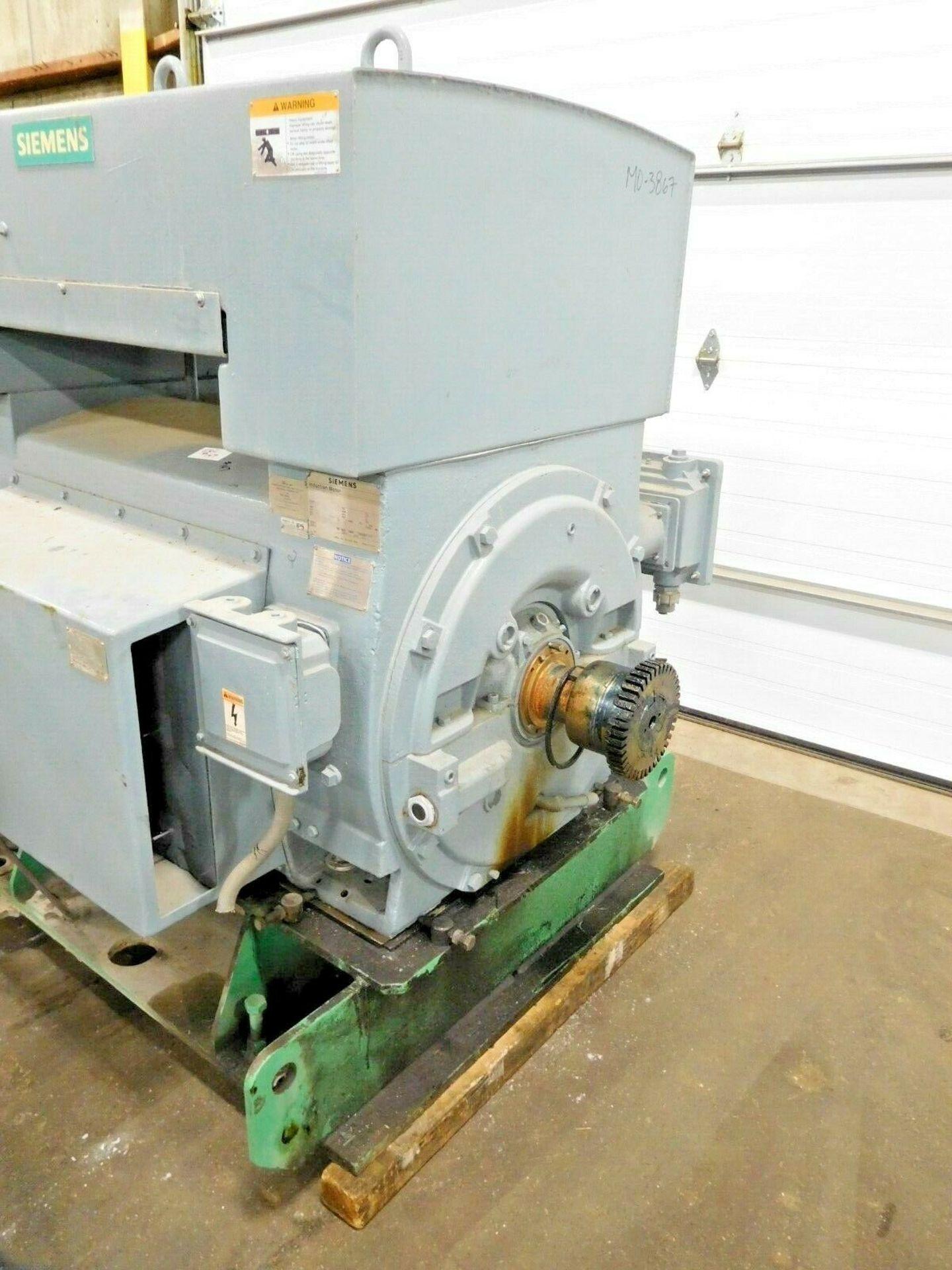 Siemens 1100 HP Electric Motor. 4000 V. 3 Ph. 1783 RPM. CGII. 5810S. 60 Hz. - Image 2 of 3