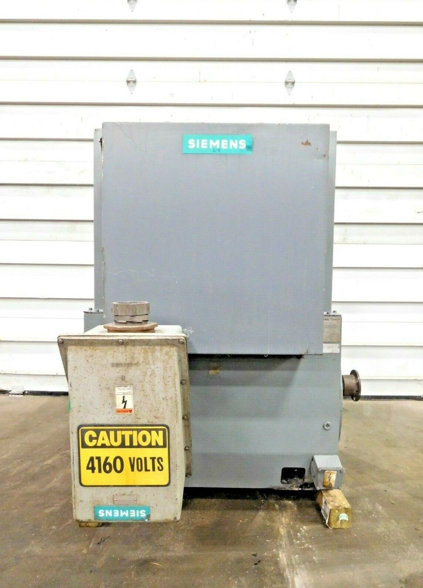 Siemens 1000 HP Induction Motor. 3 Ph. 3570 RPM. 4000 V. 60 Hz. 588US. FODS.