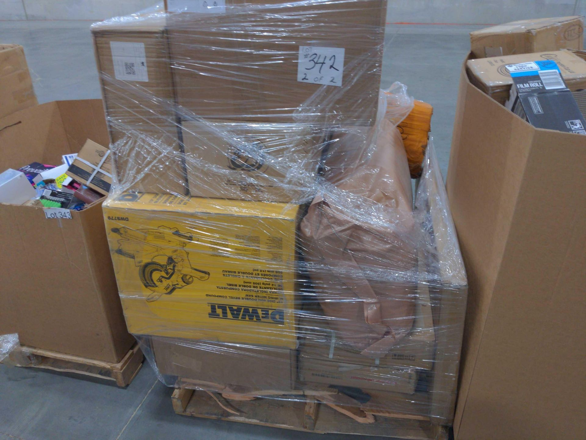 Two Pallets - Image 9 of 12