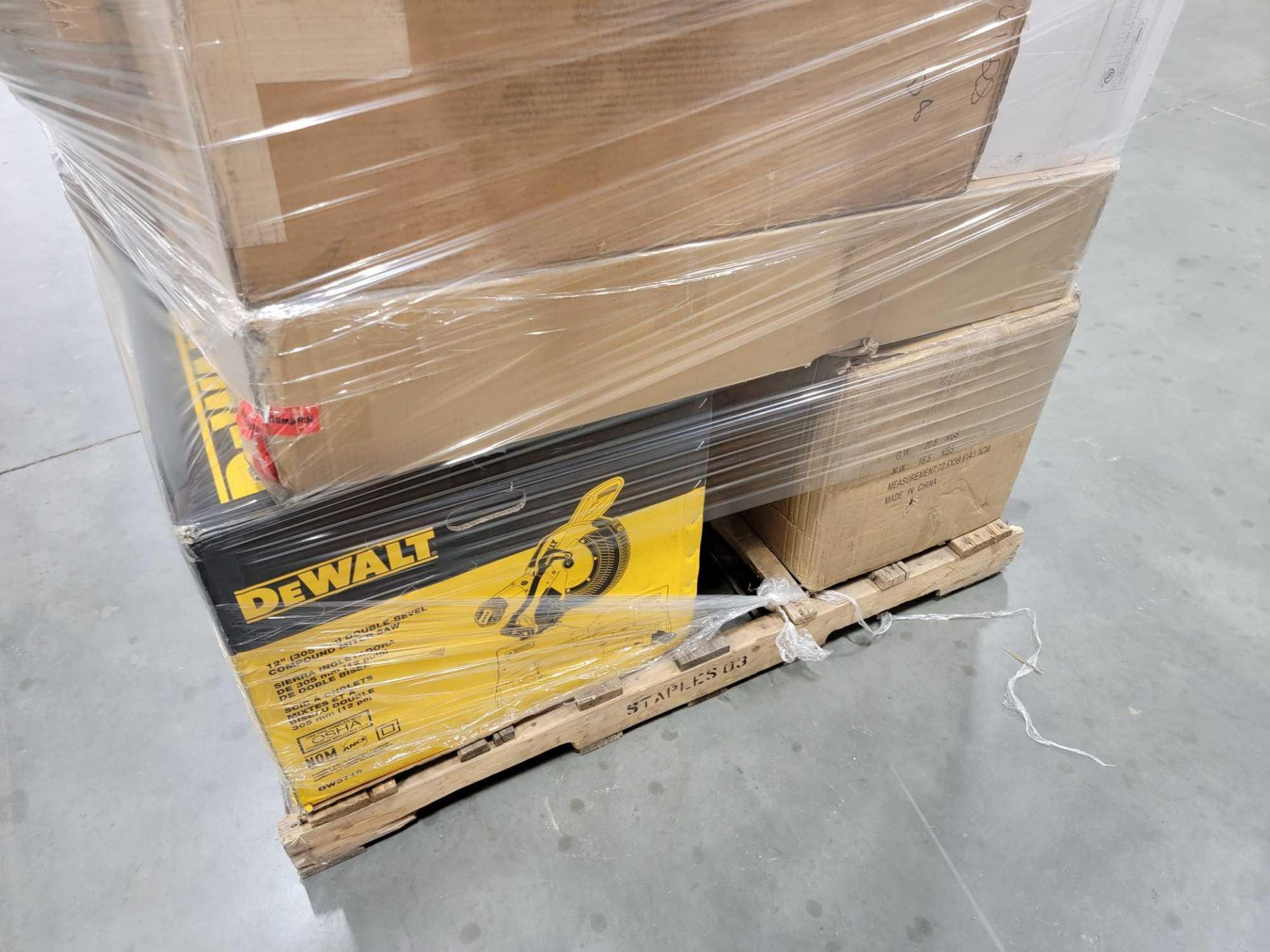 Two Pallets - Image 4 of 10