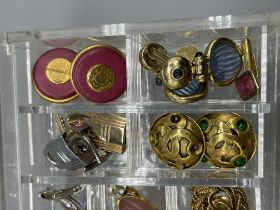 Dress jewellery to inc Hermes clip on earrings.
