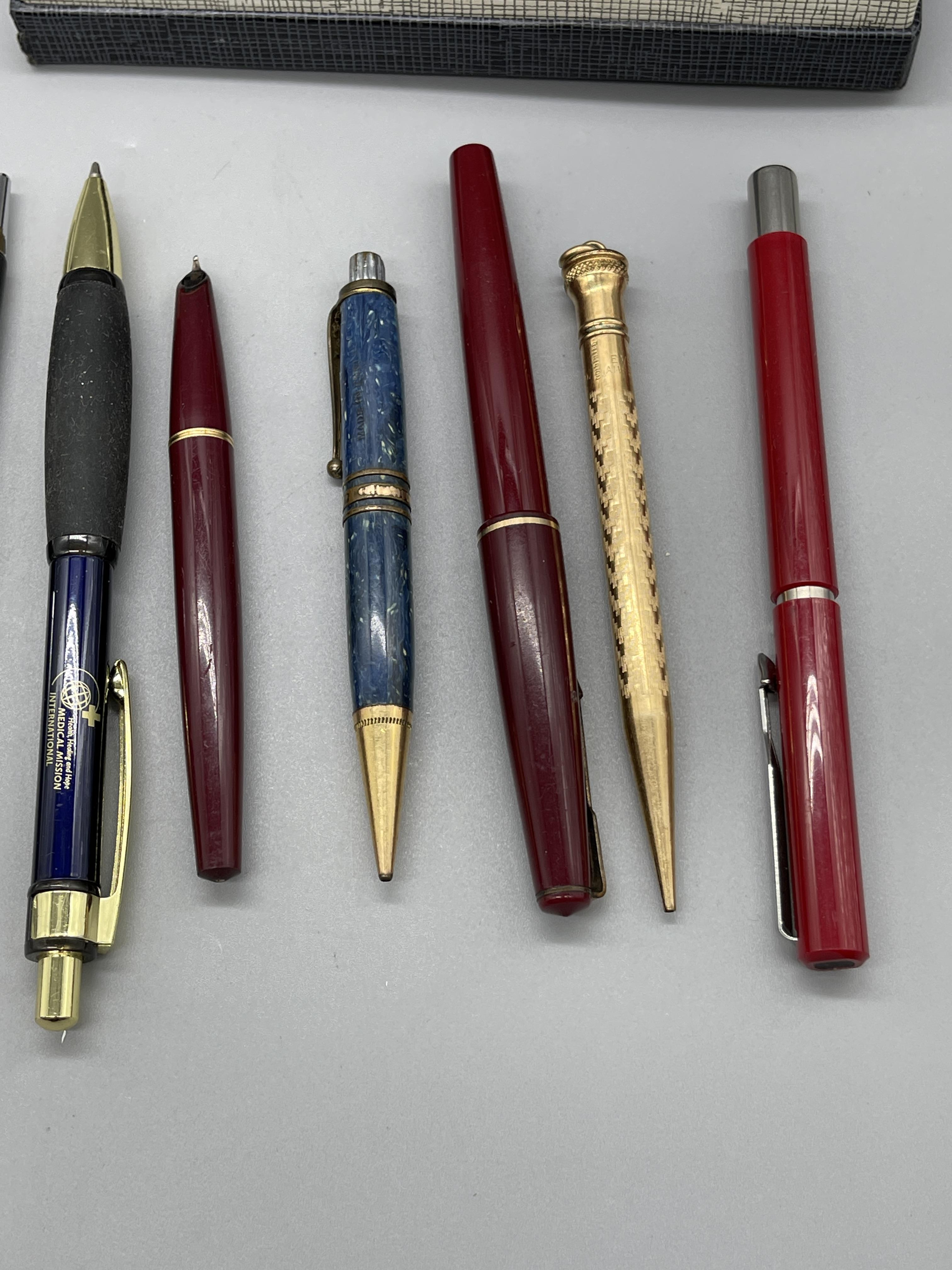Qty of Fountain Pens, Parker etc. - Image 7 of 8