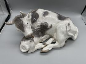 Cow with calf, Royal Copenhagen figurine Royal Cop
