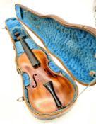 Wiener Geige ,Georg Leeb Lauten und Geigenmacher in Wien, 19.Jhd, Gesamtlänge: 60cm, inkl. Holzinst