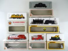 A group of American Outline diesel and steam locomotives by BACHMANN - G in F/G boxes (6)