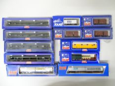 A group of European Outline goods wagons by JOUEF - G/VG in G boxes (12)